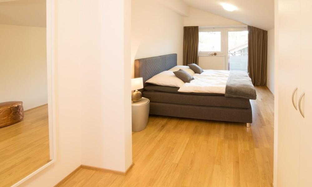 Ferienwohnung Staufner Domizil Oberstaufen - Schlafzimmer und Garderobe
